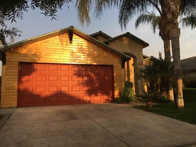 1396 N Sandau Avenue, Fresno, CA 93727 (#551103) :: FresYes Realty