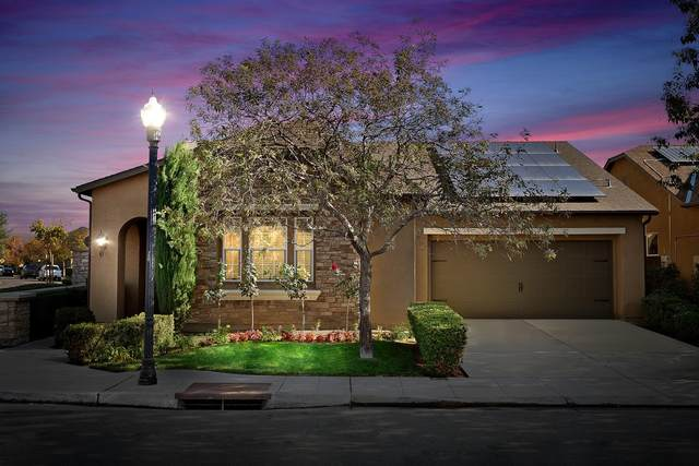 1599 N Dara Avenue, Clovis, CA 93619 (#551182) :: FresYes Realty