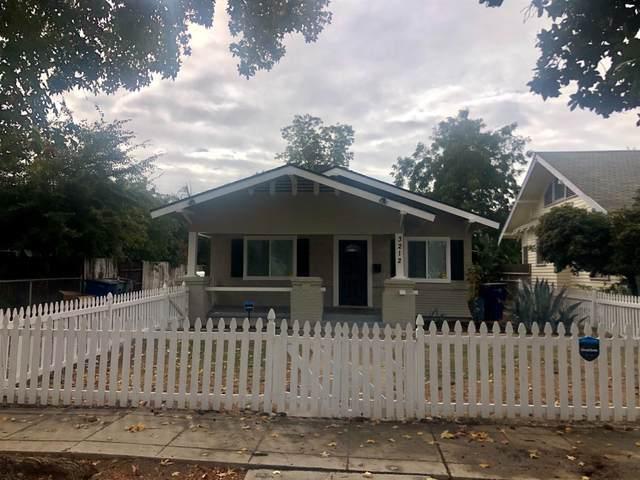 3212 E El Monte Way, Fresno, CA 92702 (#551281) :: FresYes Realty