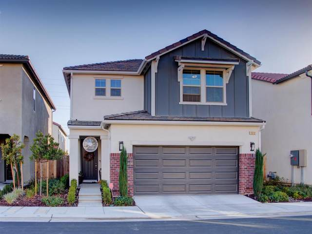 1373 E Via Viola Way, Fresno, CA 93730 (#551376) :: FresYes Realty
