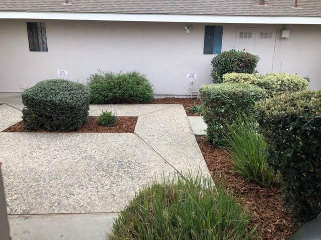 2704 W Caldwell Avenue, Visalia, CA 93277 (#551415) :: Your Fresno Realty   RE/MAX Gold