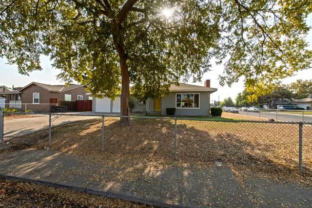 3376 Mayfair Drive N, Fresno, CA 93703 (#551422) :: FresYes Realty