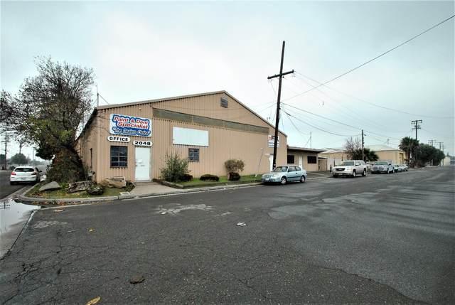 2048 E Home Avenue, Fresno, CA 93703 (#553119) :: Your Fresno Realty | RE/MAX Gold