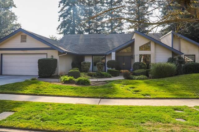 879 E Salem Avenue, Fresno, CA 93720 (#553140) :: FresYes Realty