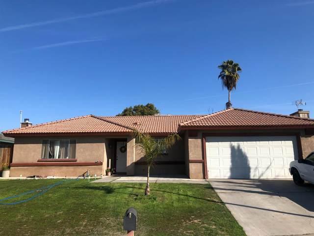 4402 W Corona Avenue, Fresno, CA 93722 (#553447) :: Your Fresno Realty | RE/MAX Gold