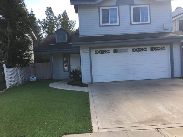 9908 N Canyon Creek, Fresno, CA 93730 (#553495) :: Raymer Realty Group