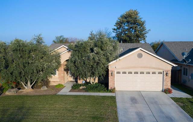 552 N Morningside Drive, Dinuba, CA 93618 (#554954) :: FresYes Realty