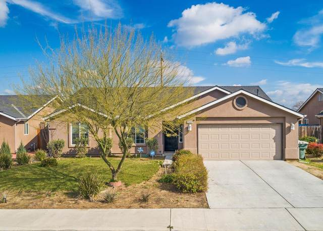 2028 Park Avenue, Sanger, CA 93657 (#555226) :: FresYes Realty
