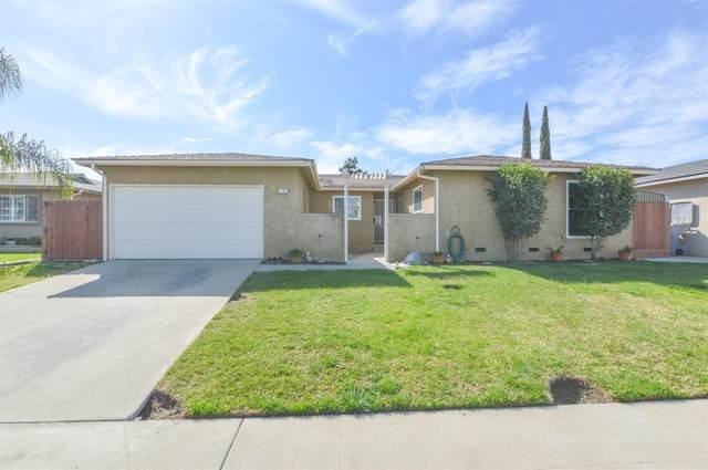 110 W Holland Avenue, Clovis, CA 93612 (#555300) :: eXp Realty