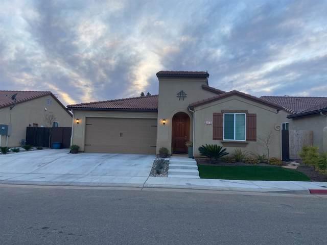 3476 Carmelita Avenue, Clovis, CA 93619 (#555471) :: Raymer Realty Group