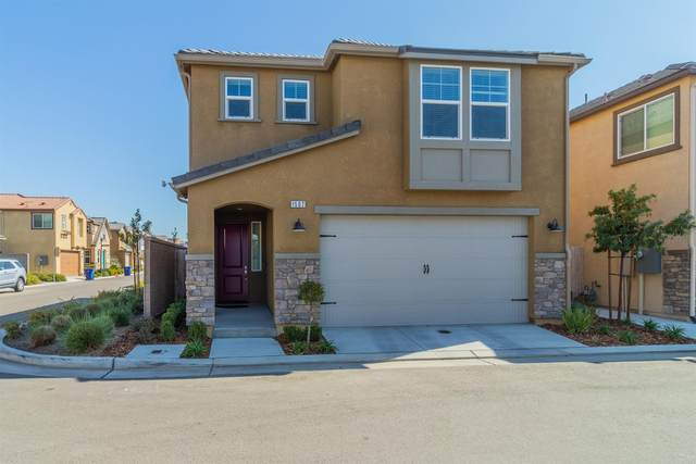 1507 Bright Place, Clovis, CA 93619 (#555523) :: Raymer Realty Group