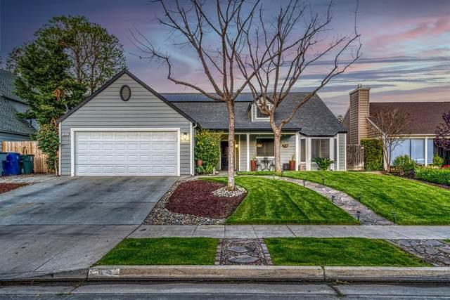 969 N Chapel Hill Avenue, Clovis, CA 93611 (#557129) :: Raymer Realty Group
