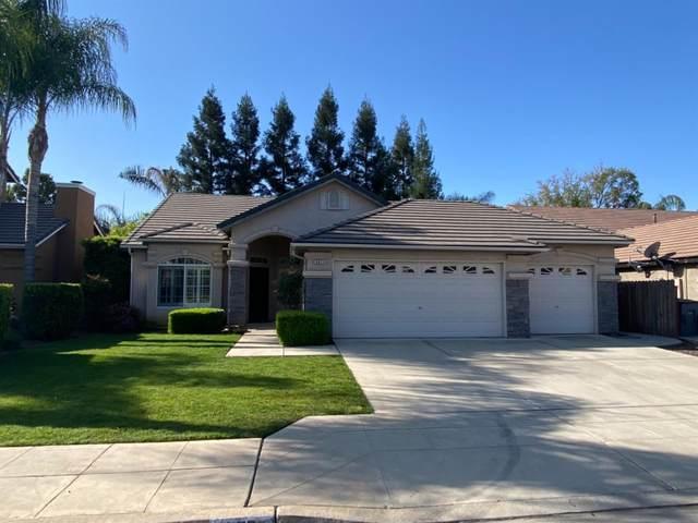 2871 E Ryan Lane, Fresno, CA 93720 (#557208) :: Raymer Realty Group