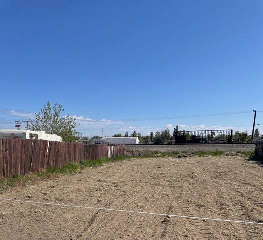1455 M Street, Firebaugh, CA 93622 (#557231) :: Your Fresno Realty | RE/MAX Gold