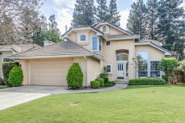 821 E Brighton Lane, Fresno, CA 93720 (#557240) :: Raymer Realty Group