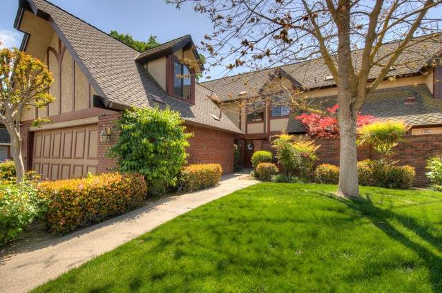 2821 W Compton Court, Fresno, CA 93711 (#557301) :: Raymer Realty Group