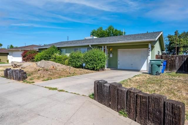 2458 W Dakota Avenue, Fresno, CA 93705 (#557314) :: Raymer Realty Group
