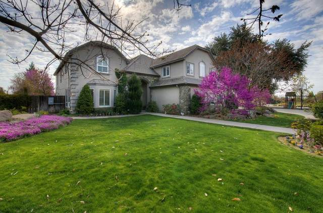2758 N Highland Avenue, Fresno, CA 93737 (#557336) :: Raymer Realty Group
