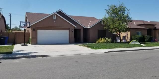 774 S Del Rio Court, Hanford, CA 93230 (#557540) :: Raymer Realty Group