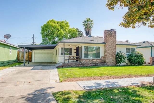 3136 E Holland Avenue, Fresno, CA 93726 (#557642) :: Twiss Realty