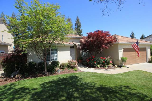 2562 E Christopher Drive, Fresno, CA 93720 (#557726) :: Your Fresno Realty | RE/MAX Gold