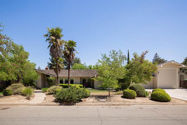 2725 W Fir Avenue, Fresno, CA 93711 (#558208) :: Raymer Realty Group