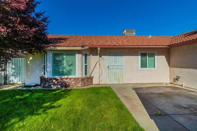 435 Segura Avenue, Sanger, CA 93657 (#558485) :: Raymer Realty Group