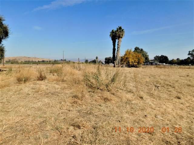 4395 N Zediker Avenue, Sanger, CA 93657 (#558728) :: Raymer Realty Group