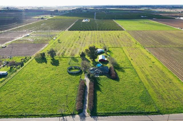 1389 S Highland Avenue, Sanger, CA 93657 (#558797) :: Raymer Realty Group