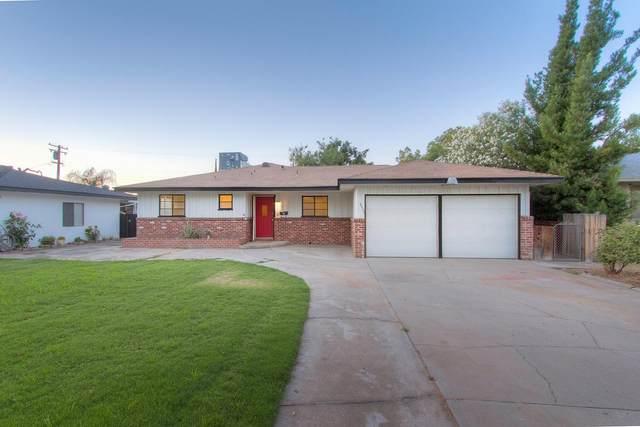 4433 E Simpson Avenue, Fresno, CA 93703 (#558869) :: Your Fresno Realty | RE/MAX Gold