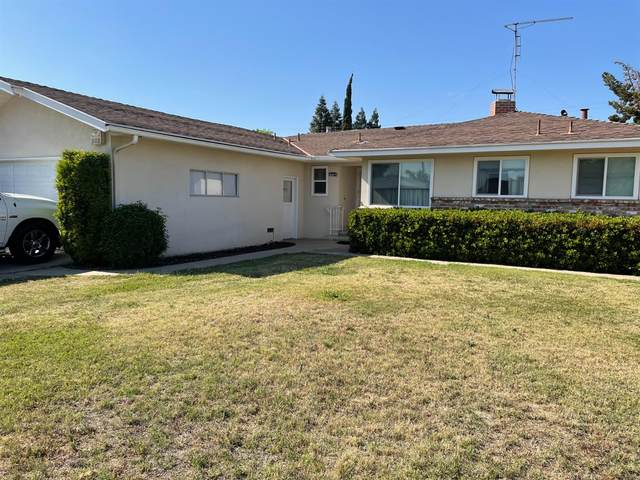 4029 E Garland Avenue, Fresno, CA 93726 (#558995) :: Raymer Realty Group