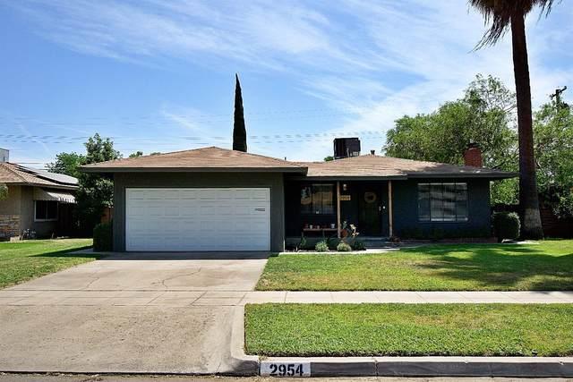 2954 E Swift Avenue, Fresno, CA 93726 (#559001) :: Raymer Realty Group