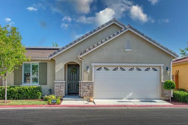 3021 Glacier Lane, Clovis, CA 93619 (#559197) :: Your Fresno Realty | RE/MAX Gold