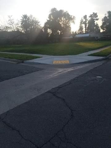 5230 E Hamilton Avenue, Fresno, CA 93727 (#560717) :: Raymer Realty Group