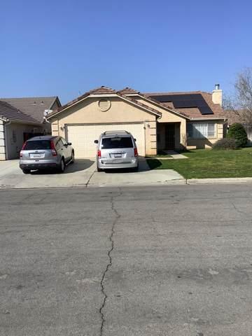 5531 E Kaviland Avenue, Fresno, CA 93727 (#560759) :: Raymer Realty Group
