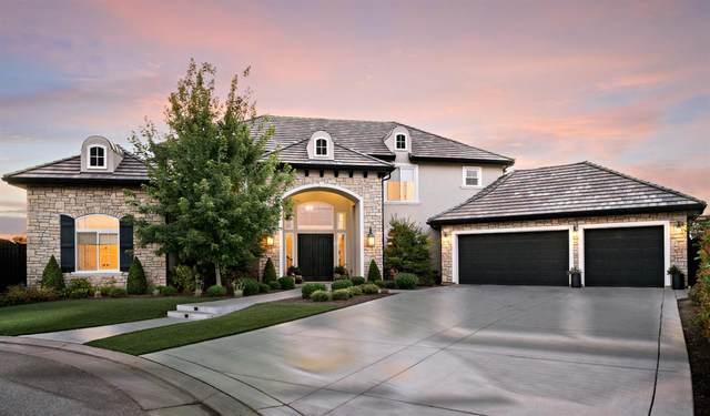 2408 E Strathmore Place, Fresno, CA 93730 (#560901) :: Twiss Realty