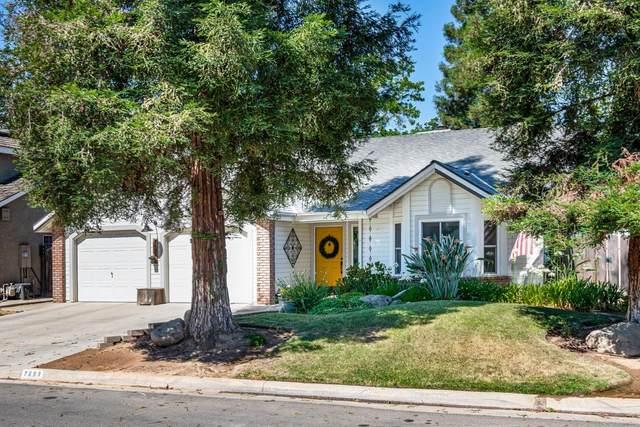7683 N Meridian Avenue, Fresno, CA 93720 (#561065) :: Twiss Realty