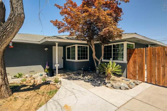 928 W Brown Avenue, Fresno, CA 93705 (#561092) :: Twiss Realty