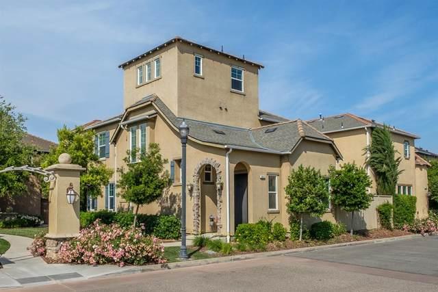 3842 Loyola Lane, Clovis, CA 93619 (#561361) :: Raymer Realty Group