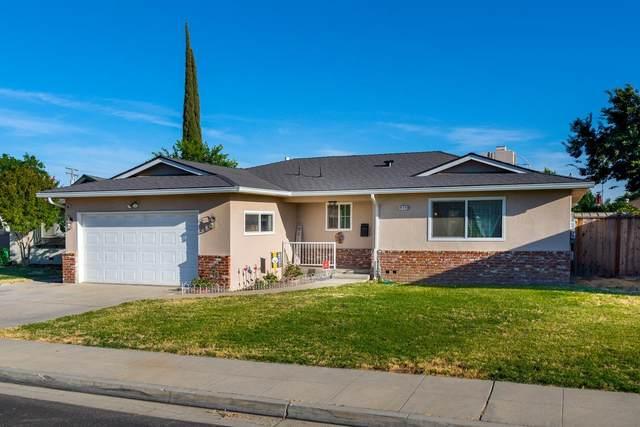 650 W Ashcroft Avenue, Clovis, CA 93612 (#561506) :: Raymer Realty Group