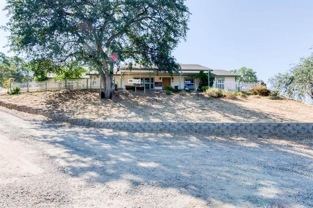 6844 Rodeo Drive, Sanger, CA 93657 (#561507) :: Raymer Realty Group
