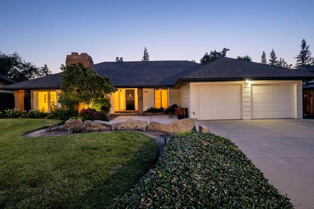 8833 N Colfax Avenue, Fresno, CA 93720 (#561532) :: CENTURY 21 Jordan-Link & Co.