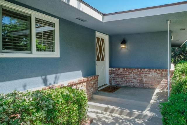 5627 N Wilson Avenue, Fresno, CA 93704 (#561662) :: Raymer Realty Group