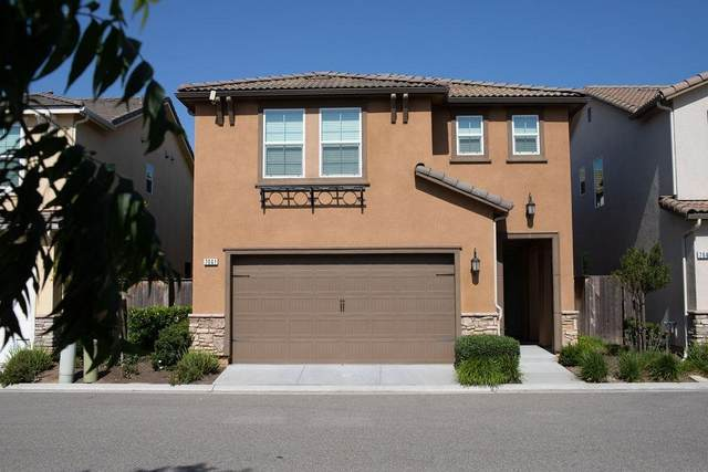 7041 N Oratorio, Fresno, CA 93711 (#561736) :: Raymer Realty Group