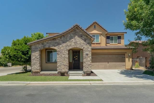 3907 Chessa Lane, Clovis, CA 93619 (#561768) :: Raymer Realty Group
