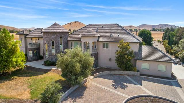 31731 Mill Drive, Springville, CA 93265 (#561901) :: Raymer Realty Group
