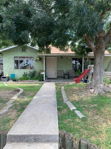 13317 E Ann Avenue, Parlier, CA 93648 (#562445) :: Raymer Realty Group