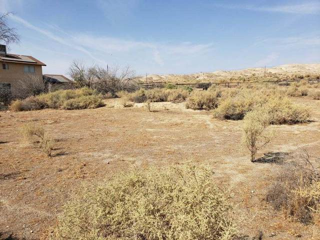 28366 Golf Course Road, Taft, CA 93268 (#562728) :: Your Fresno Realty   RE/MAX Gold