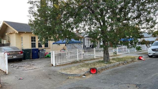 517 N Farris Avenue, Fresno, CA 93728 (#563322) :: Raymer Realty Group
