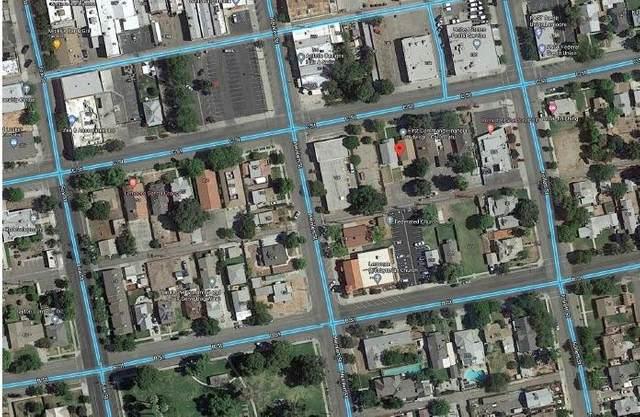 237 C Street, Lemoore, CA 93245 (#563497) :: Raymer Realty Group